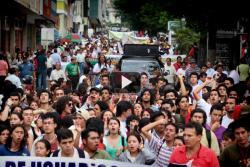"""Así transcurrió la marcha de las """"100 mil voces por el agua"""""""