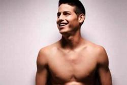 Vuelve el lado más sexy de James Rodríguez