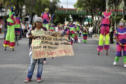 Cerca de 400 bumangueses marcharon en contra del maltrato hacia la mujer