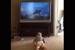 El bebé que entrena como Rocky Balboa