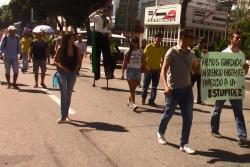 Bumangueses marcharon en rechazo a la Reforma Tributaria