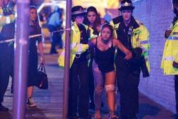 Pánico por dos explosiones durante concierto de Ariana Grande en Manchester