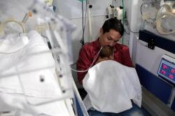 El bebé que se convirtió en un milagro de vida en Santander irá a casa