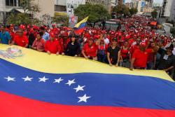 Chavistas salen a las calles a protestar por supuesto atentado contra Maduro