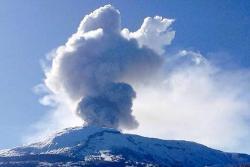 Se registra emisión de Ceniza en el Volcán Nevado del Ruiz