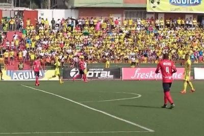 Atlético Bucaramanga empató 2-2 ante Medellín