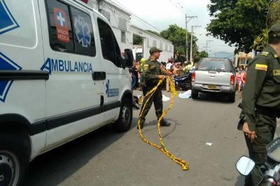 Mueren dos mujeres  y un niño que se movilizaban en moto en Bucaramanga
