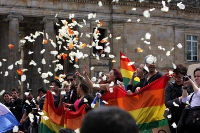 Jueces y notarios no podrán negarse a casar parejas gay