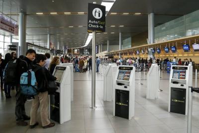 Aeropuerto El Dorado volvió a operar con restricciones