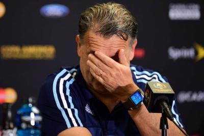 El caos en el fútbol argentino precipitó la renuncia del DT albiceleste Gerardo Martino