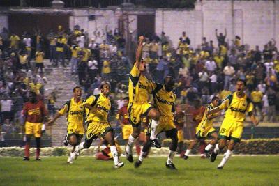 Después de 14 años y cinco meses, Bucaramanga volvió a ser líder