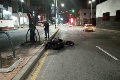 Motociclista murió tras chocar en la carrera 27