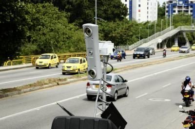 Ordenan aplicar 'fotomultas' a transportadores 'piratas' en Floridablanca