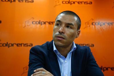 """Un exfutbolista vive de administrar bien su dinero"": Iván Córdoba"