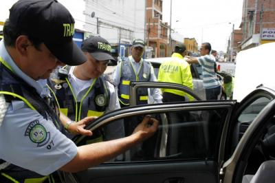 Entérese si los vidrios polarizados de su carro son los permitidos en Bucaramanga