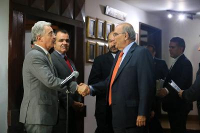 Líderes del 'No' piden a Santos un testigo en nuevo acuerdo con las Farc