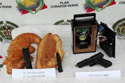 Policía capturó a hombre que cargaba una pistola camuflada en un pan