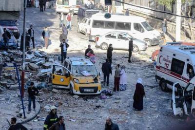 Explosión de carro bomba vuelve a estremecer a Turquía