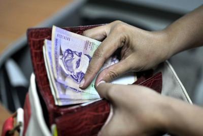 Gobierno inicia acercamientos para discusión del salario mínimo