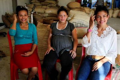 """""""Quiero saber por qué lo hicieron"""", víctimas del paramilitarismo colombiano"""