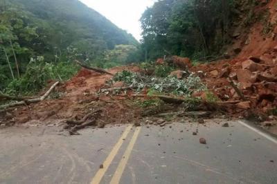 Habilitan paso a un carril en la vía Bucaramanga-San Alberto