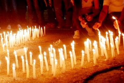 Dos menores y un adulto resultaron quemados en Santander el día de las velitas