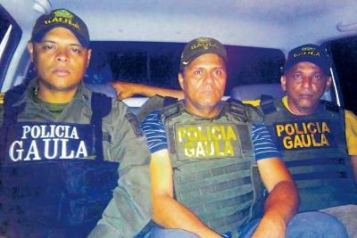Este es el momento en el que los dos hombres liberados, son trasladados al casco urbano de Aguachica. Las víctimas se encuentran en perfecto estado de salud.