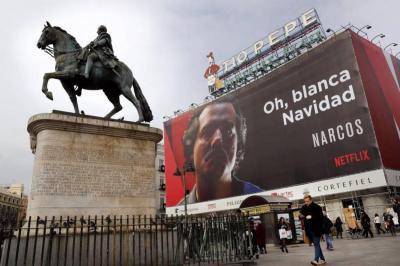 Escobar no merece ser exaltado como héroe: Santos criticó publicidad de 'Narcos'