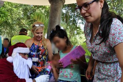Recolectan regalos de Navidad para hijos de trabajadoras sexuales en Bucaramanga