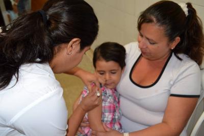 Opción para cumplir metas en vacunación