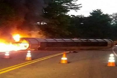 Accidente en vía a la Costa tiene, de momento, el paso habilitado a un carril