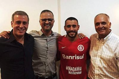 Alan Ruschel, sobreviviente del Chapecoense, renovó con Inter de Portoalegre