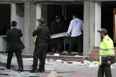 Un policía muerto dejó atentado con explosivos en Bogotá