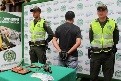 Tras persecución, fue capturado delincuente que asaltó a una mujer en Bucaramanga