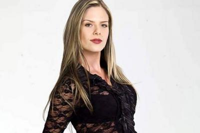 Isabella Córdoba se luce en la comedia