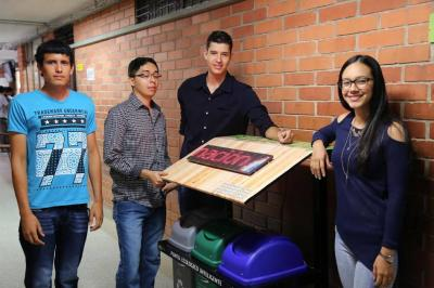 Instalan una 'cesta  inteligente de basura' en Bucaramanga