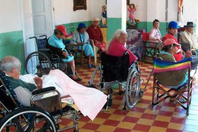 1.500 adultos mayores de Bucaramanga se quedaron sin médico