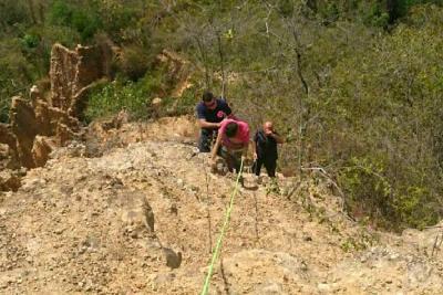 Rescatan a un joven de 15 años que rodó por un abismo en Bucaramanga