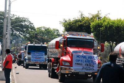 Camioneros desmienten convocatoria a paro para el 20 de febrero