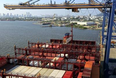 El déficit de la balanza comercial en Colombia bajó 25,8 % en 2016