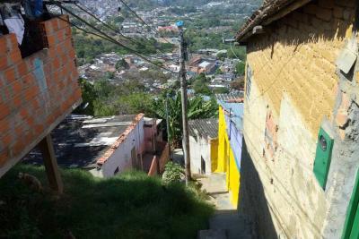 Hombre perdió la vida tras ser baleado y apuñalado en Bucaramanga