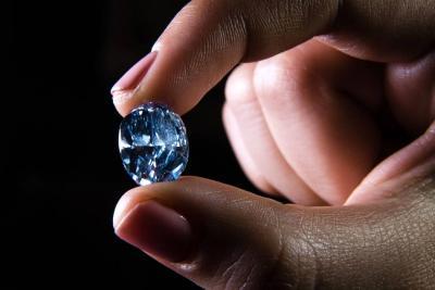Advierten sobre captadoras de dinero que prometen inversiones en diamantes