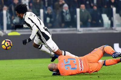 Dybala, Cuadrado e Higuaín acercan a la Juventus a la final de Copa de Italia