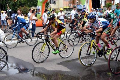 ¿Cuándo cerrarán vía entre Bucaramanga y Bogotá por vuelta ciclística?