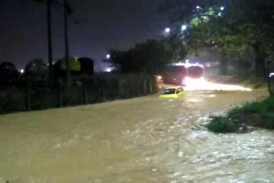 Fuerte lluvia causó estragos en Bucaramanga y el área
