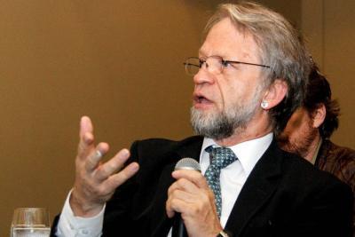 Mockus: 'Santos igual hubiera ganado elecciones sin dinero de Odebrecht'