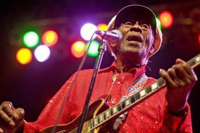 Los amantes del rock lloran la muerte de la estrella Chuck Berry