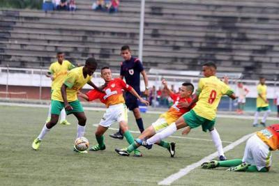 Santander debutó con un empate en la final nacional