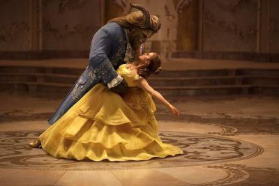 'La Bella y la Bestia' debutó en  el primer lugar