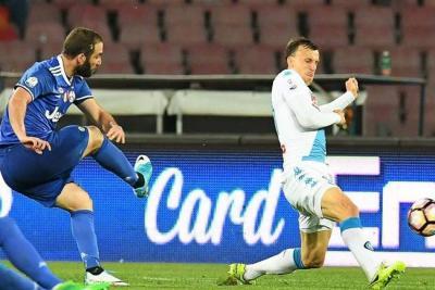 Con Cuadrado todo el partido, Juventus derrotó al Nápoles y jugará la final de Copa Italia
